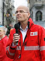 Nederland - Amsterdam -  2017.  Het Rode Kruis deed zaterdag 9 september een poging het wereldrecord grootste EHBO-les te verbreken. Het record is helaas niet gehaald. Directeur van het Rode Kruis Gijs de Vries.    Foto Berlinda van Dam / Hollandse Hoogte