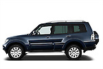 Driver side profile view of a 2009 Mitsubishi Pajero InStyle 5 Door SUV