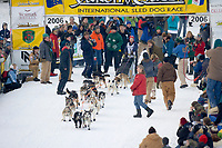 Musher in Fairbanks on the Chena River at the start of the 1000 mile Yukon Quest sled dog race 2006, between Fairbanks, Alaska and Whitehorse, Yukon. Dubbed the toughest dogsled race in the world.