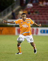 Houston Dynamo midfielder Ricardo Clark (13). The Houston Dynamo tied the Columbus Crew 1-1 in a regular season MLS match at Robertson Stadium in Houston, TX on August 25, 2007.