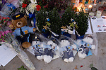 Stuffed bears, flowers, balloons, pictures and wreaths  form a makeshift memorial to four slain police officers at the Police Headquarters in Lakewood, Washington, USA, on 2 December  2009. Four Lakewood officers were gunned down during a morning meeting at a local coffee shop on 29 November 2009.  Jim Bryant Photo. ©2010. ALL RIGHTS RESERVED.