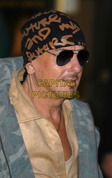 "NICKY HASLAM.Arrivals at premiere of ""Gangs of New York"", London, UK..January 7th, 2003.designer beanie hat headshot portrait sunglasses shades.CAP/PL.©Phil Loftus/Capital Pictures"