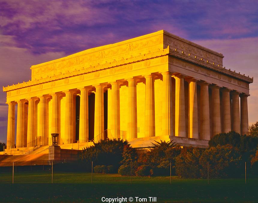 Lincoln Memorial in Dawn Light, Along Potomac River, Washington D.C.
