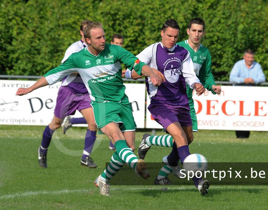 Helkijn Sport - KFC Lendelede.duel tussen Yves Vanalderwereld (links) en Mathias Cottenier (rechts).foto David Catry / VDB