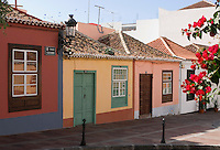 Spain, Canary Islands, La Palma, Los Llanos de Aridane: Calle Real (former Calle General Franco), old houses at town centre