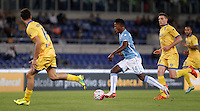 Calcio, Serie A: Lazio vs Frosinone. Roma, stadio Olimpico, 4 ottobre 2015.<br /> Lazio's Keita Diao, center, in action during the Italian Serie A football match between Lazio and Frosinone at Rome's Olympic stadium, 4 October 2015.<br /> UPDATE IMAGES PRESS/Isabella Bonotto