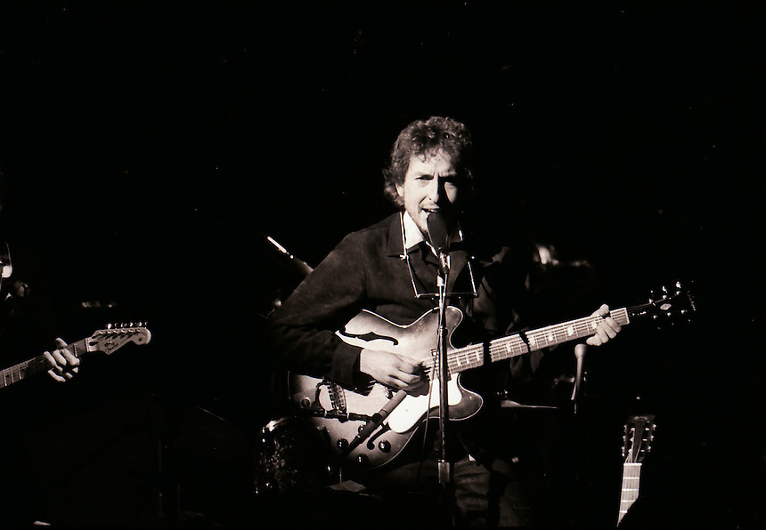 Bob Dylan's 1974 come back tour. Chicago Stadium