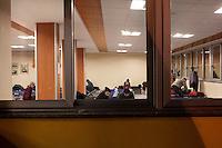 Milano: clochard in un centro messo a disposizione dal comune di Milano per ospitare i senza tetto durante i giorni di grande freddo.