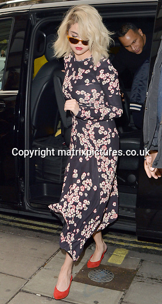 NON EXCLUSIVE PICTURE: MATRIXPICTURES.CO.UK<br /> PLEASE CREDIT ALL USES<br /> <br /> WORLD RIGHTS<br /> <br /> American singer and actress Selena Gomez is pictured at Kiss FM Studios in London. <br /> <br /> DECEMBER 3rd 2017<br /> <br /> REF: LTN 172785