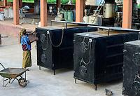BURKINA FASO, Bobo Dioulasso, village Bama, rice mill, rice drying unit with solar energy use / BURKINA FASO, Bobo Dioulasso, Dorf Bama, SNV Reismuehle, Reis Trocknungsanlage mit Solarenergie Nutzung