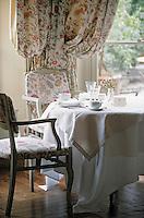 """Europe/France/Provence-Alpes-Côte- d'Azur/84/Vaucluse/Avignon: Hotel-Restaurant """"La Mirande"""" détail table dressée"""