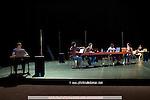 TEXT TO SPEECH..Choregraphie : JOBIN Gilles..Lumiere : DEMONT Daniel..Avec :..BONOMO Jean-Pierre..JOBIN Gilles..KABORE Richard..KWEON Sung-Im..PANADES DIAZ Susana..VAN DER MERWE udi..Lieu : Theatre de la Ville..Ville : Paris..Le : 25 03 2008..© Laurent PAILLIER / www.photosdedanse.com