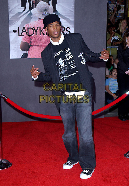 MARLON WAYANS.Los Angeles Premiere of The LadyKillers held at The El Capitan Theatre in Hollywood, California .12 March 2004.*UK Sales Only*.full length, full-length.www.capitalpictures.com.sales@capitalpictures.com.©Capital Pictures.