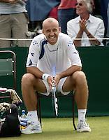 28-6-06,England, London, Wimbledon, first round match,  Ljubicic