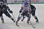 Mannheims Daniel Sparre (Nr.40) gegen Muenchens Michael Wolf (Nr.13) und rechts Muenchens Yannic Seidenberg (Nr.36)  in dem Spiel in der DEL, EHC Red Bull Muenchen (blau) - Adler Mannheim (weiss).<br /> <br /> Foto &copy; PIX-Sportfotos *** Foto ist honorarpflichtig! *** Auf Anfrage in hoeherer Qualitaet/Aufloesung. Belegexemplar erbeten. Veroeffentlichung ausschliesslich fuer journalistisch-publizistische Zwecke. For editorial use only.