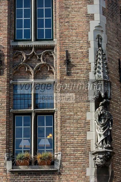 Europe/Belgique/Flandre/Flandre Occidentale/Bruges: Europe/Belgique/Flandre/Flandre Occidentale/Bruges: Centre historique classé Patrimoine Mondial de l'UNESCO, Place du Bourg : Burg Détail des facades des maisons