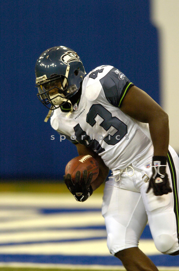 Leonard Weaver, of the Seattle Seahawks , in aciton against the Indianapolis Colts on August 20, 2006 in Indianapolis...Seattle wins 30-17..David Durochik / SportPics