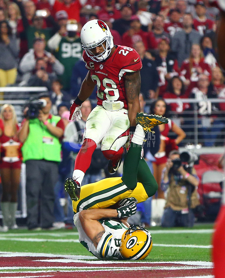 Jan 16, 2016; Glendale, AZ, USA; Green Bay Packers wide receiver Jeff Janis (83) catches a touchdown pass against Arizona Cardinals cornerback Justin Bethel (28) during the third quarter in a NFC Divisional round playoff game at University of Phoenix Stadium. Mandatory Credit: Mark J. Rebilas-USA TODAY Sports