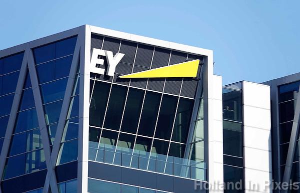 Nederland  Amsterdam -  2018. Accountancybureau EY, Ernst & Young, aan de Zuidas.  Foto Berlinda van Dam / Hollandse Hoogte