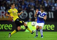 FUSSBALL   1. BUNDESLIGA   SAISON 2011/2012   SUPERCUP FC Schalke 04 - Borussia Dortmund            23.07.2011 Sebastian KEHL (li, Dortmund) gegen RAUL (re, Schalke)