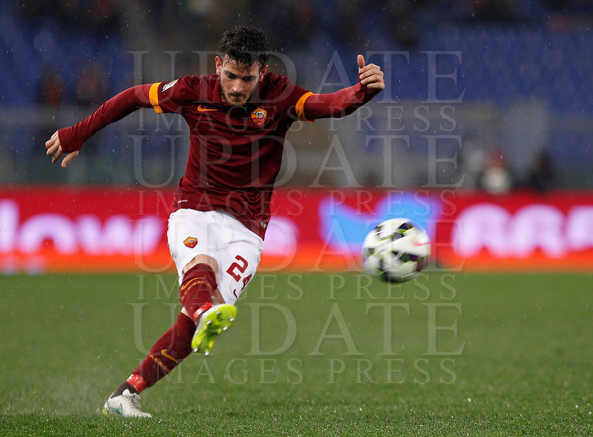 Calcio, Serie A: Roma vs Sampdoria. Roma, stadio Olimpico, 16 marzo 2015. <br /> Roma&rsquo;s Alessandro Florenzi kicks the ball during the Italian Serie A football match between Roma and Sampdoria at Rome's Olympic stadium, 16 March 2015.<br /> UPDATE IMAGES PRESS/Isabella Bonotto