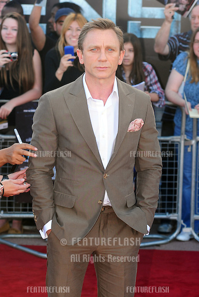"Daniel Craig arrives for the premiere of ""Cowboys and Aliens"" at the 02 cineworld cinema, London. 11/08/2011 Picture by: Simon Burchell / Featureflash"
