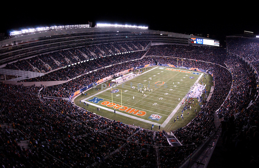 An overall view of Soldier Field in Chicago, IL, during a game between the Chicago Bears and the Green Bay Packers on December 31, 2005. (AP Photo/Chris Bernacchi)