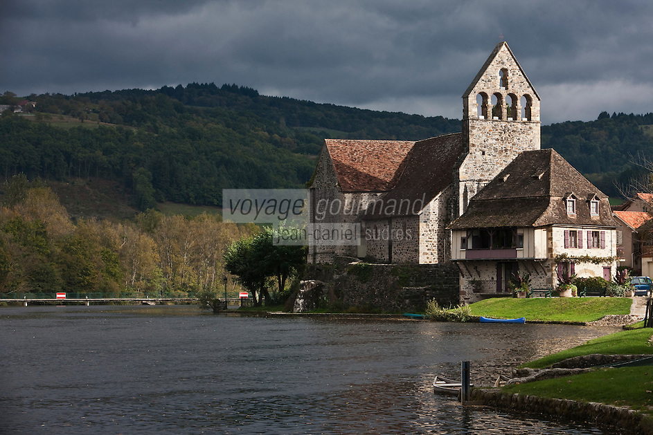 Europe/France/Limousin/19/Corrèze/ Beaulieu-sur-Dordogne: Chapelle des pénitents sur les bords de la Dordogne