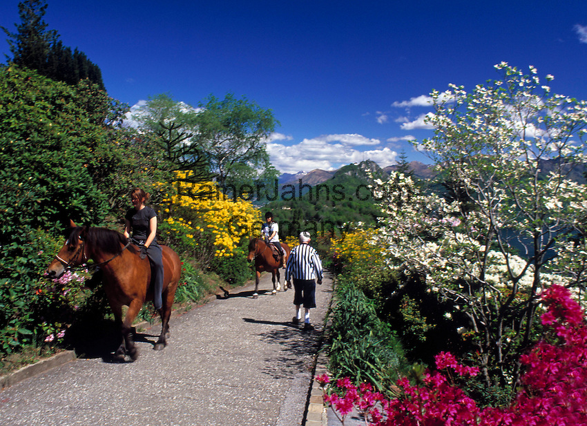 CHE, Schweiz, Tessin, Carona: Freizeit im Botanischen Park San Grato - Reiten | CHE, Switzerland, Ticino, Carona: horseback riding at Botanical Park San Grato