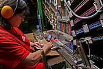 Thônex, le 13 mai 2013,société  Caran D Ache, fabricant de couleurs et de crayons, ainsi que de stylo haut de gamme. mise en boite des Néocolors© sedrik nemeth