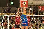 20.12.2017, Margon-Arena, Dresden, GER, DVV-Pokal Damen Halbfinale, Dresdner SC vs. SSC Palmberg Schwerin, im Bild<br /> <br /> <br /> Greta Szakmary (#1, SSC Palmberg Schwerin), Piia Korhonen (#12, Dresdner SC), Sasa Planinsec (#18, Dresdner SC),<br /> <br /> Foto &copy; nordphoto / Dostmann