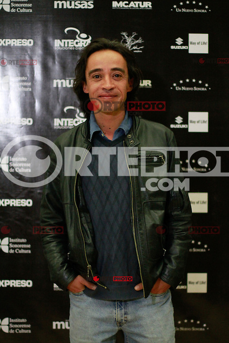 El actor Roberto Sosa  que personifica a Juan Orol en la pelicula  &quot;El fant&aacute;stico mundo de Juan Orol&quot; durante la presentacion en Hermosillo Sonora.<br /> 11 dic 2012.<br /> (Luis Gutierrrez/NortePhoto)