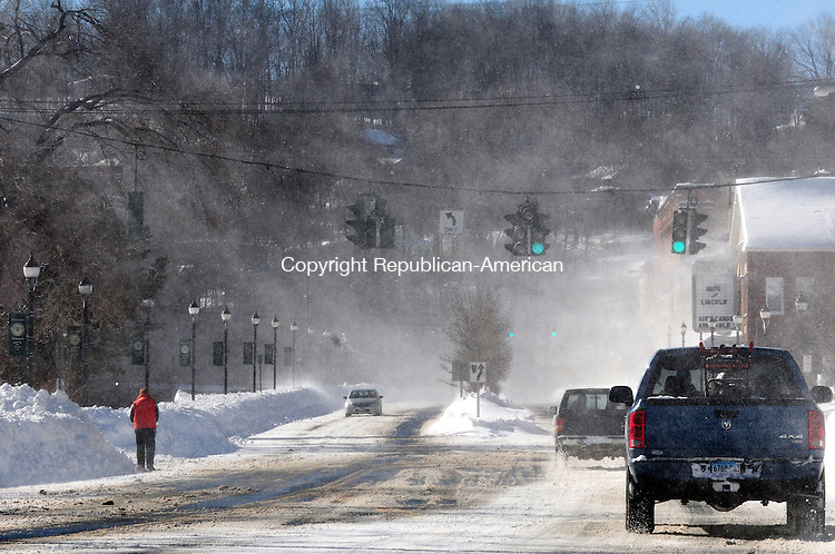 WINSTED CT, 09 FEB 13-020913AJ29- Blowing snow in Winsted Saturday afternoon.    Alec Johnson/ Republican-American