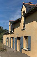 Maison restauree et transfomee, les fenetres du haut sont des ajouts