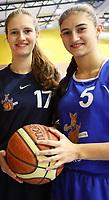 Miriam (l.) und Carina Aillaud spielen Basketball in der Oberliga Mannschaft des TV Groß-Gerau- Gross-Gerau 14.12.2017: TV Groß-Gerau