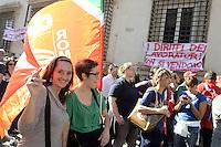 Roma, 19 Ottobre 2012.Manifestazione dei lavoratori e delle lavoratrici Telecom, Vodafone Wind, Fastweb ,e operatori /operatrici call center per il rinnovo del contratto e contro i licenziamenti ..I diritti dei lavoratori non si vendono.