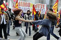 Roma, 11 Marzo 2011.Sciopero e corteo del sindacato autonomo Unione Sindacale di Base.Rabazze ballano