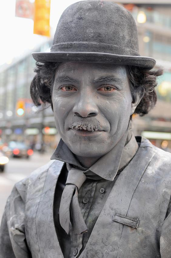 Robbie Beniuk, human statue, street performer, Yonge Dundas, Toronto, Canada