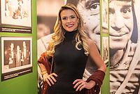"""SÃO PAULO, SP, 28.08.2019 - CHAVES-UM TRIBUTO MUSICAL -   Beca Milano, apresentadora durante o espetáculo """"Chaves, um tributo musical"""" na noite desta quarta-feira, 28, no Teatro Opus em São Paulo. (Foto: Anderson Lira/Brazil Photo Press)"""