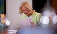 Berlin, Mittwoch (29.05.13), Bundesbildungsministerin Johanna Wanja (CDU) vor Beginn der Sitzung des Bundeskabinetts im Bundeskanzleramt in Berlin..Foto: Michael Gottschalk/CommonLens