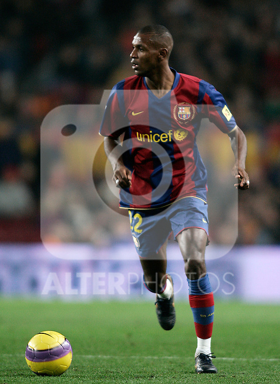 FC Barcelona's Eric Abidal during the Spanish King's Cup match between FC Barcelona and Sevilla at Nou Camp Stadium in Barcelona, January 15 2008. (ALTERPHOTOS/Acero).