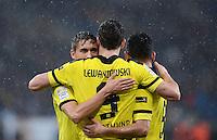 FUSSBALL   1. BUNDESLIGA   SAISON 2012/2013   17. SPIELTAG   TSG 1899 Hoffenheim - Borussia Dortmund      16.12.2012           JUBEL Borussia Dortmund; Moritz Leitner (li) umarmt Torschuetzen zum 1-3 Robert Lewandowski und Ilkay Guendogan (re)
