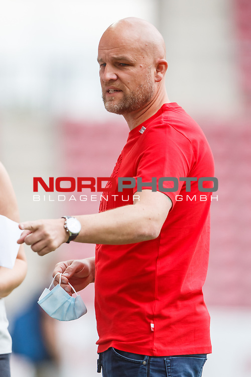 Rouven Schroeder (Sportdirektor / FSV Mainz 05), <br /> <br /> Sport: Fussball: 1. Bundesliga:: nphgm001:  Saison 19/20: 33. Spieltag: 1. FSV Mainz 05 vs SV Werder Bremen 20.06.2020<br /> Foto: Neis/Eibner/Pool/via gumzmedia/nordphoto<br />