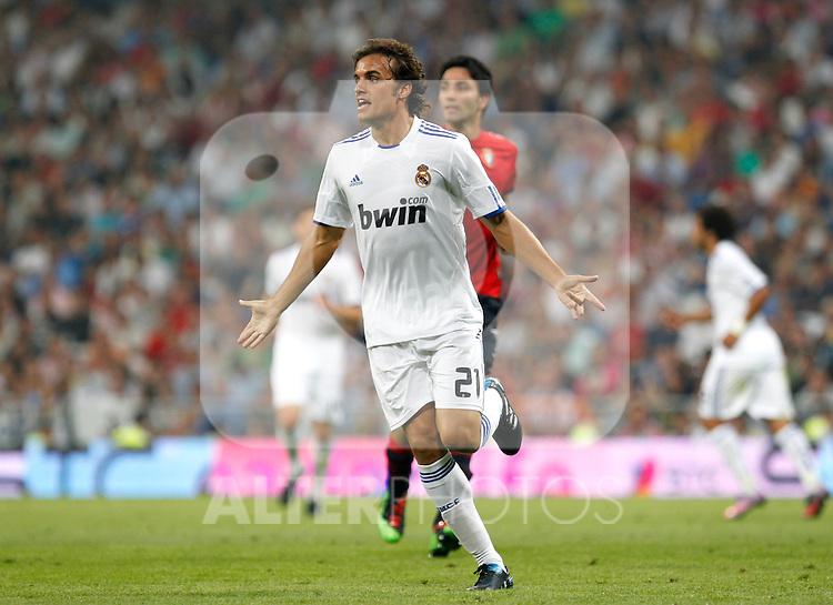Madrid (11/09/10).- Estadio Santiago Bernabeu..Campeonato Nacional de Liga 2ª Jornada..Real Madrid 1- Osasuna 0.Pedro Leon...© Alex Cid-Fuentes/ALFAQUI