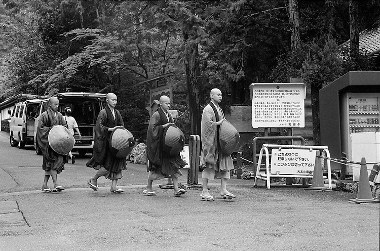 Monks on the Way to the Temple, Kyoto, street photography
