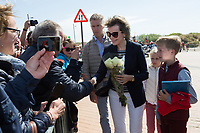 Le roi Philippe de Belgique, la reine Mathilde de Belgique, leurs enfants ; la Princesse Elisabeth, le Prince Gabriel, le Prince Emmanuel et la Princesse El&eacute;onore assistent &agrave; une d&eacute;monstration des services de sauvetage sur la plage de Middelkerke. <br /> La princesse Elisabeth a elle-m&ecirc;me particip&eacute; &agrave; la r&eacute;animation.<br /> Belgique, Middelkerke, 1er juillet 2017.<br /> King Philippe of Belgium, Queen Mathilde of Belgium and their children, Crown Princess Elisabeth, Prince Emmanuel, Prince Gabriel, and Princess Eleonore of Belgium pictured during a rescue exercice, part of a visit of Belgian royal couple at the Belgian coast, in Westende, Middelkerke.<br />  Belgium, Westende, Middelkerke, 01 July 2017.<br /> Pic :  Queen Mathilde of Belgium &amp; Princess Eleonore of Belgium, Prince Emmanuel of Belgium