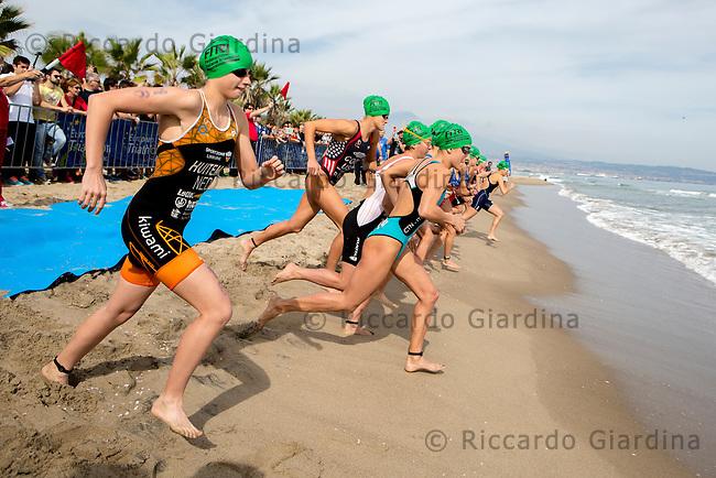 Catania (ITA), 25/10/15  - 2015 Catania ETU Triathlon European Cup and Mediterranean Championships, Elite Women Race  (Ph. Riccardo Giardina)