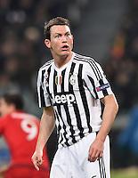 FUSSBALL CHAMPIONS LEAGUE  SAISON 2015/2016 ACHTELFINAL HINSPIEL Juventus Turin - FC Bayern Muenchen             23.02.2016 Stephan Lichtsteiner (Juventus Turin) nachdenklich