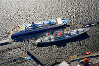 Cap San Diego mit Kreuzfahrtschiff Explorer: EUROPA, DEUTSCHLAND, HAMBURG, (EUROPE, GERMANY), 06.09.2013:Cap San Diego mit Kreuzfahrtschiff Explorer