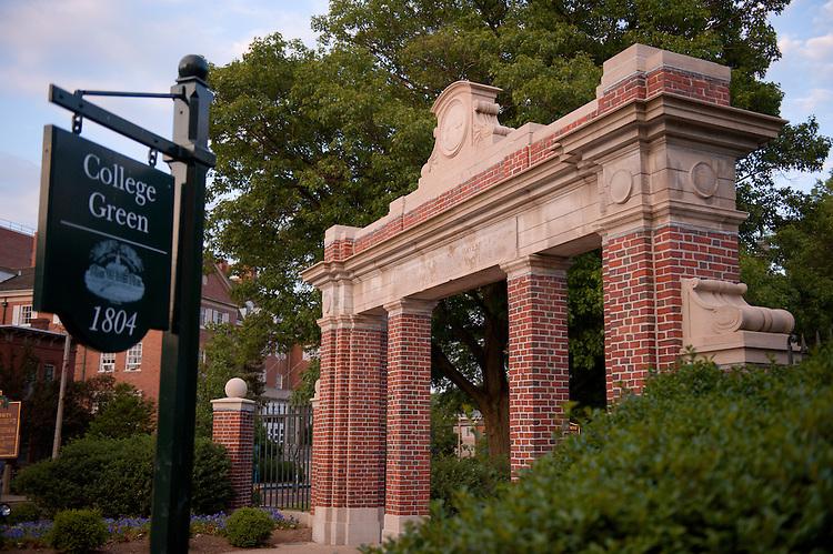 18952Summer Campus